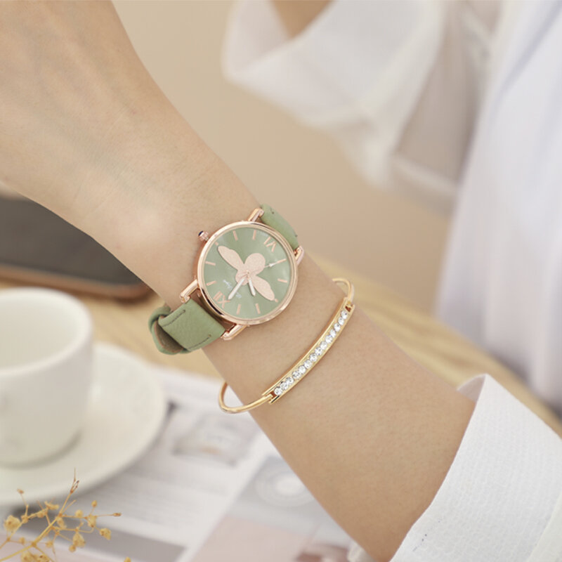 Fashion Cute Women Watches Rose Gold Case Leather Band Roman Numerals Bee Quartz Watches