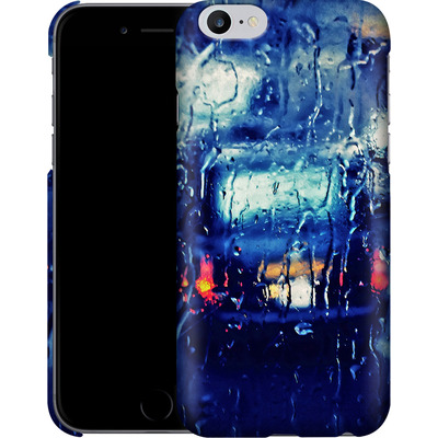 Apple iPhone 6s Plus Smartphone Huelle - London Taxi In The Rain von Ronya Galka