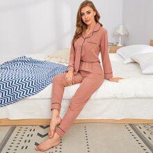 Conjunto de pijama con parche con bolsillo con puntada en contraste