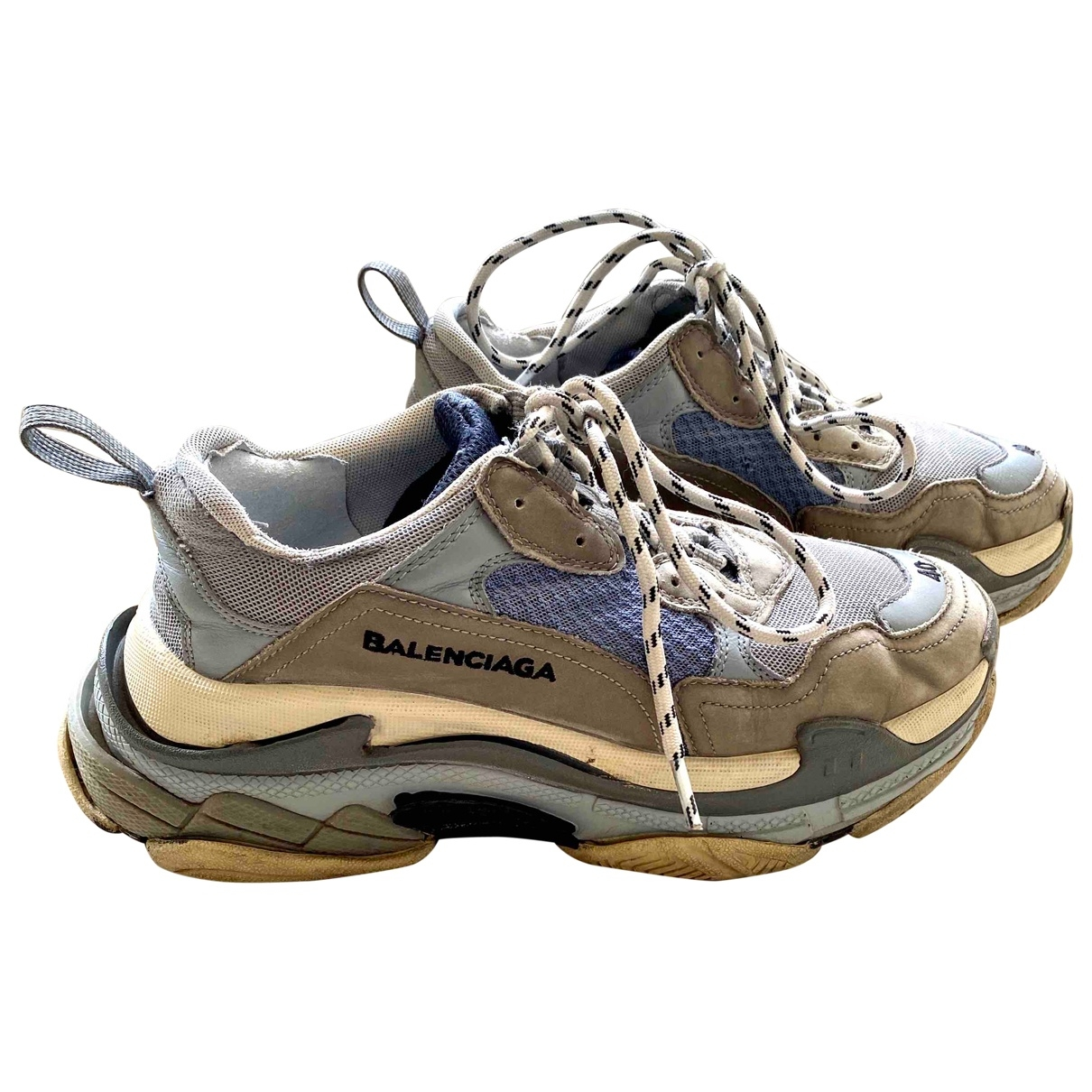 Balenciaga Triple S Sneakers in  Grau Leinen