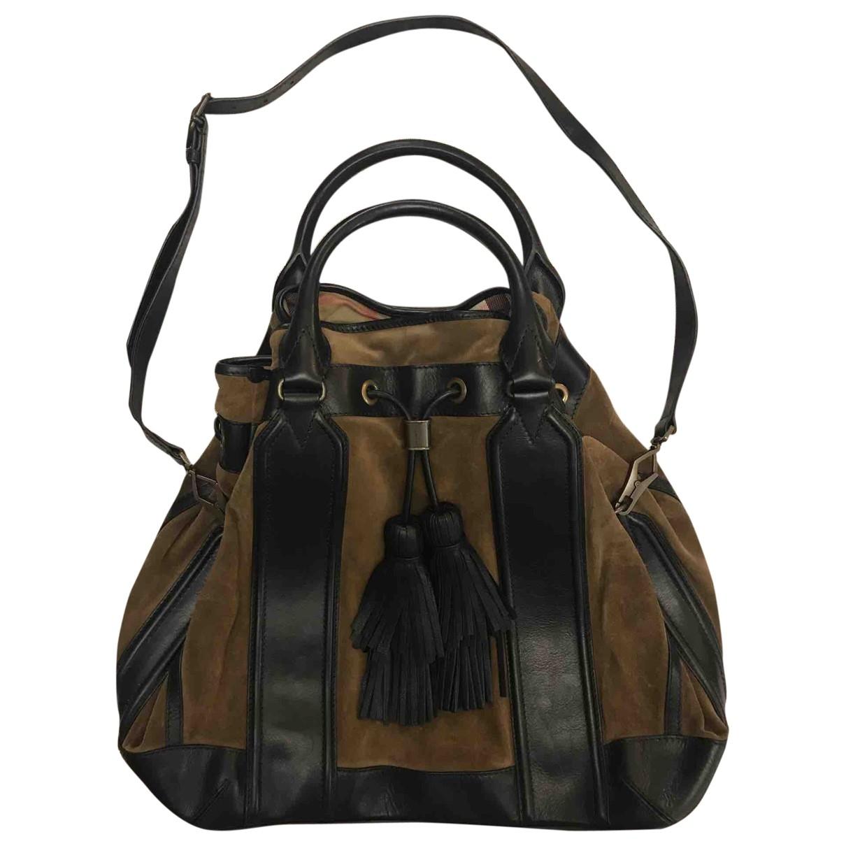 Burberry \N Handtasche in  Braun Lackleder