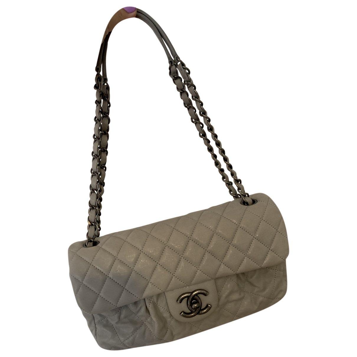 Chanel Timeless/Classique Handtasche in  Grau Leder