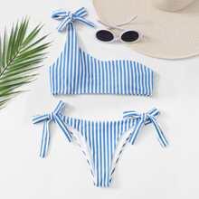 Bañador bikini con cordon lateral con un hombro de rayas