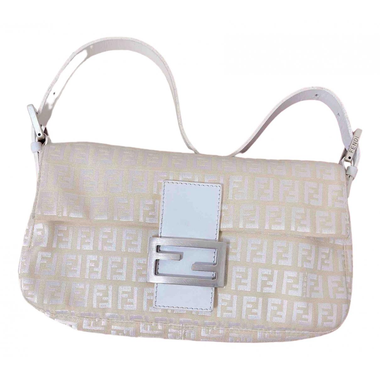 Fendi Baguette Handtasche in  Ecru Leinen
