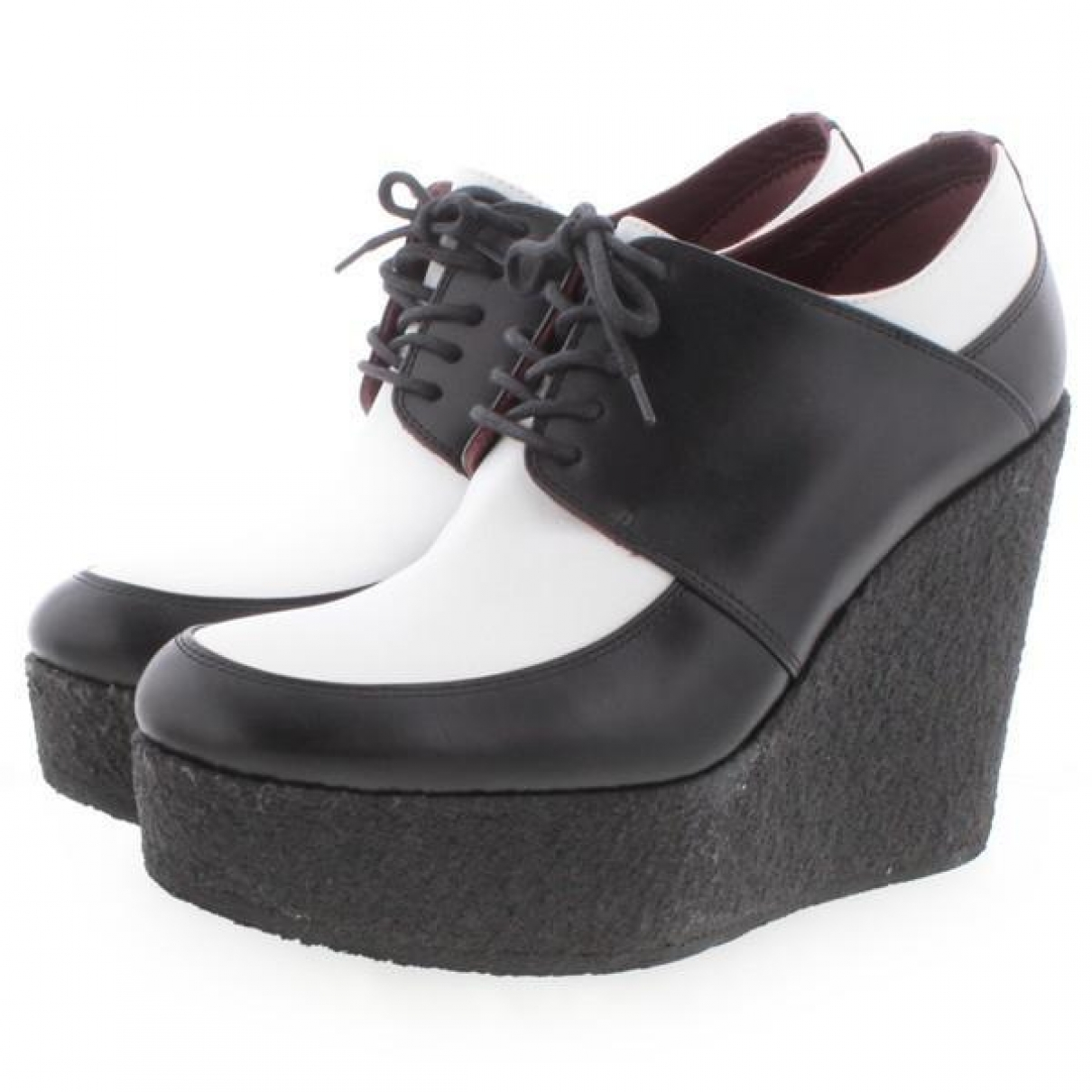 Celine \N White Leather Lace ups for Women 36.5 IT