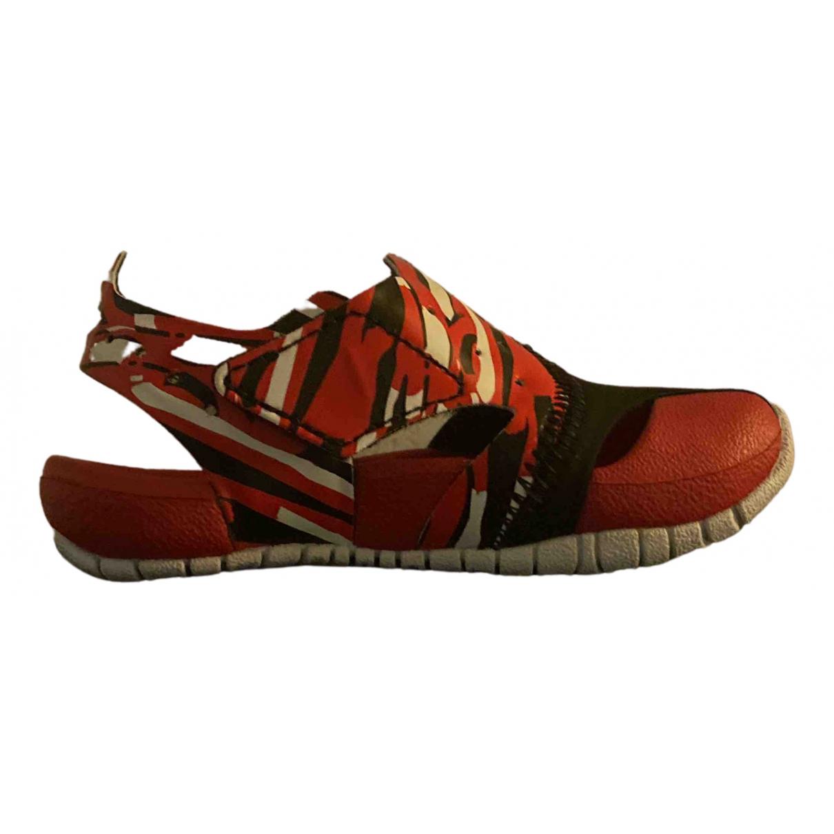 Jordan N Red Rubber Sandals for Kids 21 FR