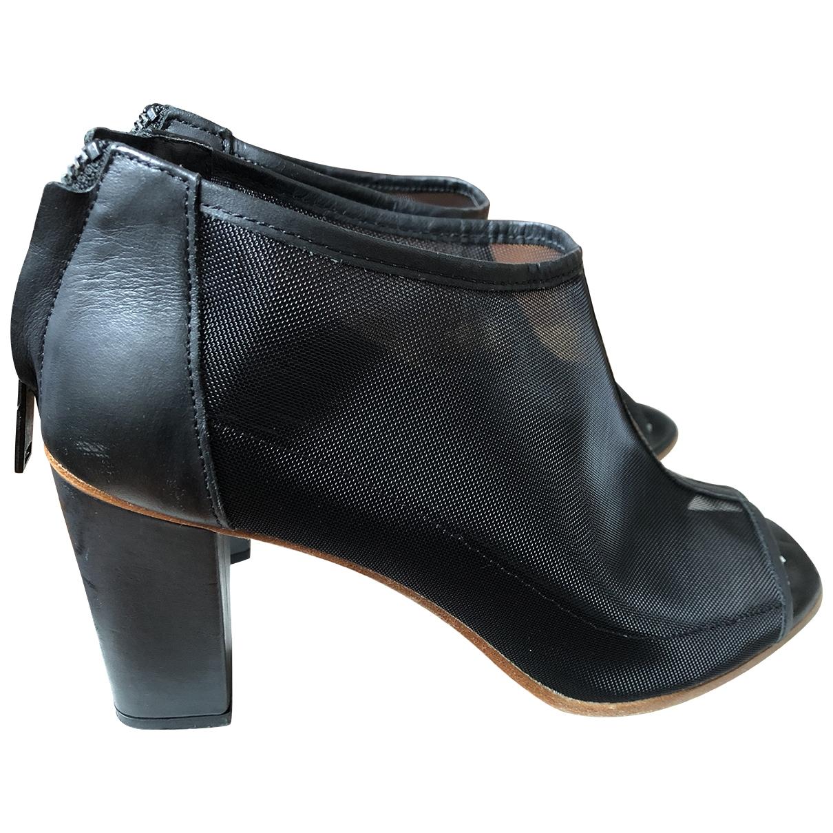 Sandalias de Cuero Cos