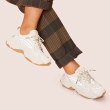 Chunky Sneakers mit Schnuerung