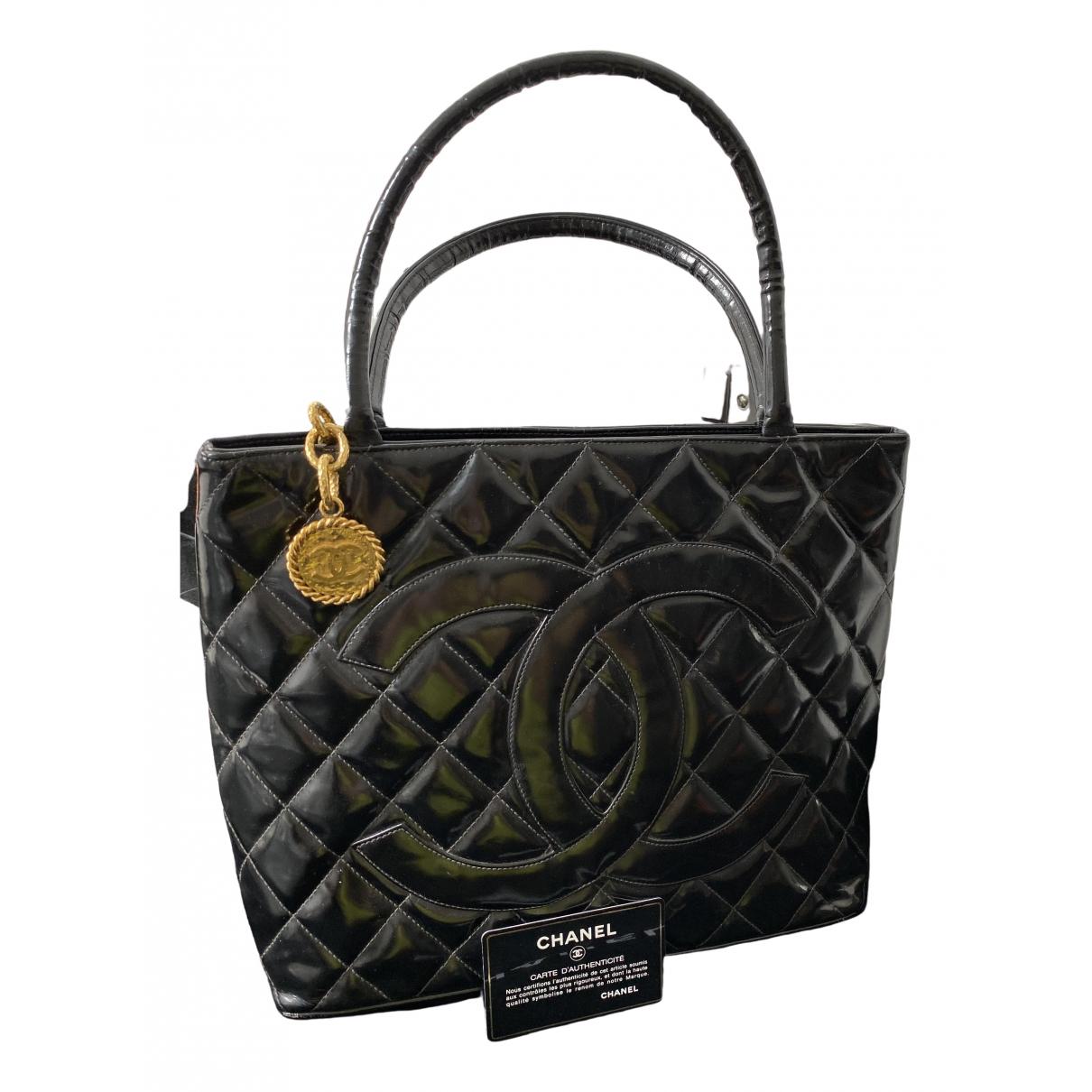 Chanel Médaillon Black Patent leather handbag for Women \N