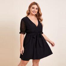 Kleid mit V Kragen, Punkten Muster, halbtransparenten Ärmeln und Selbstguertel