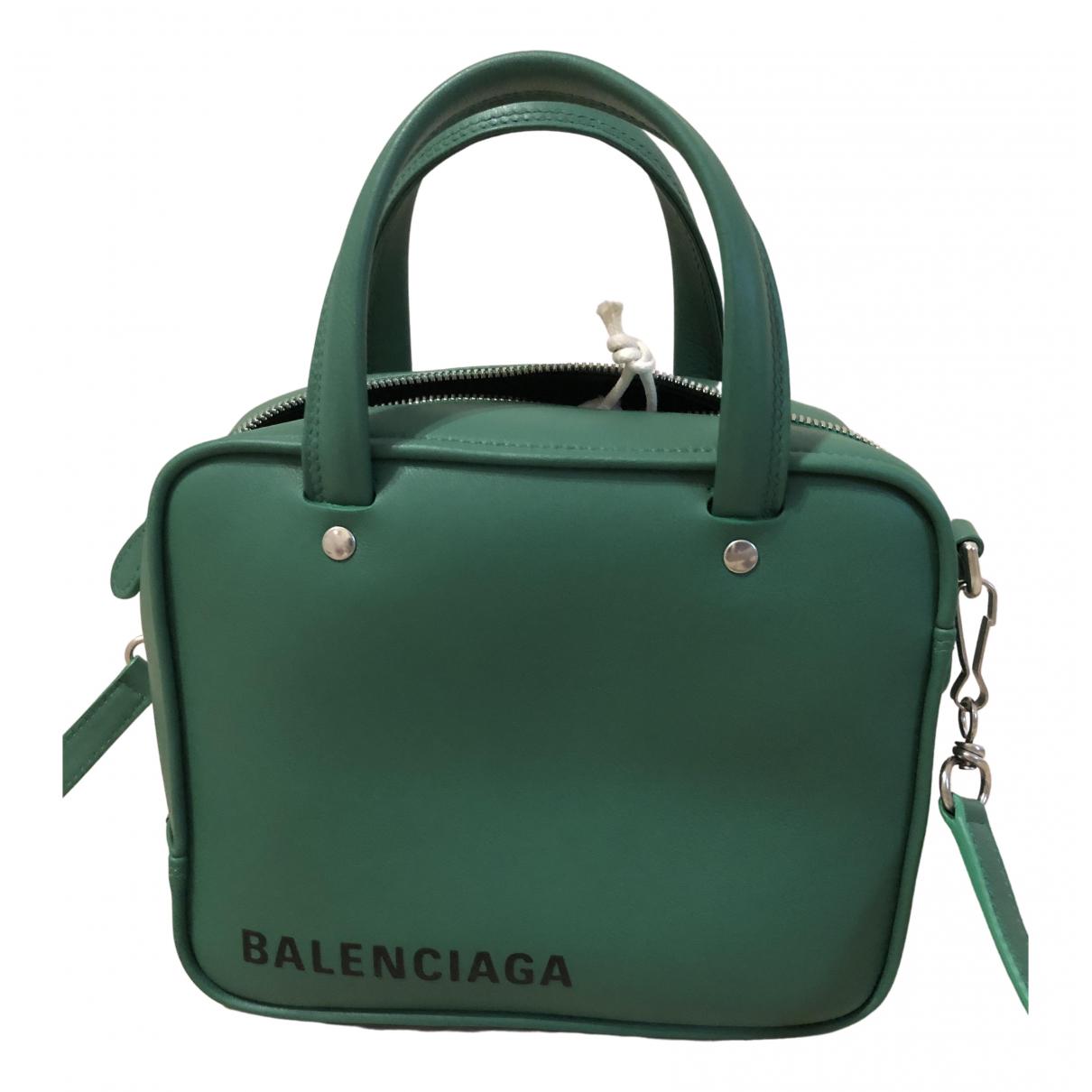 Balenciaga Triangle Handtasche in  Gruen Leder