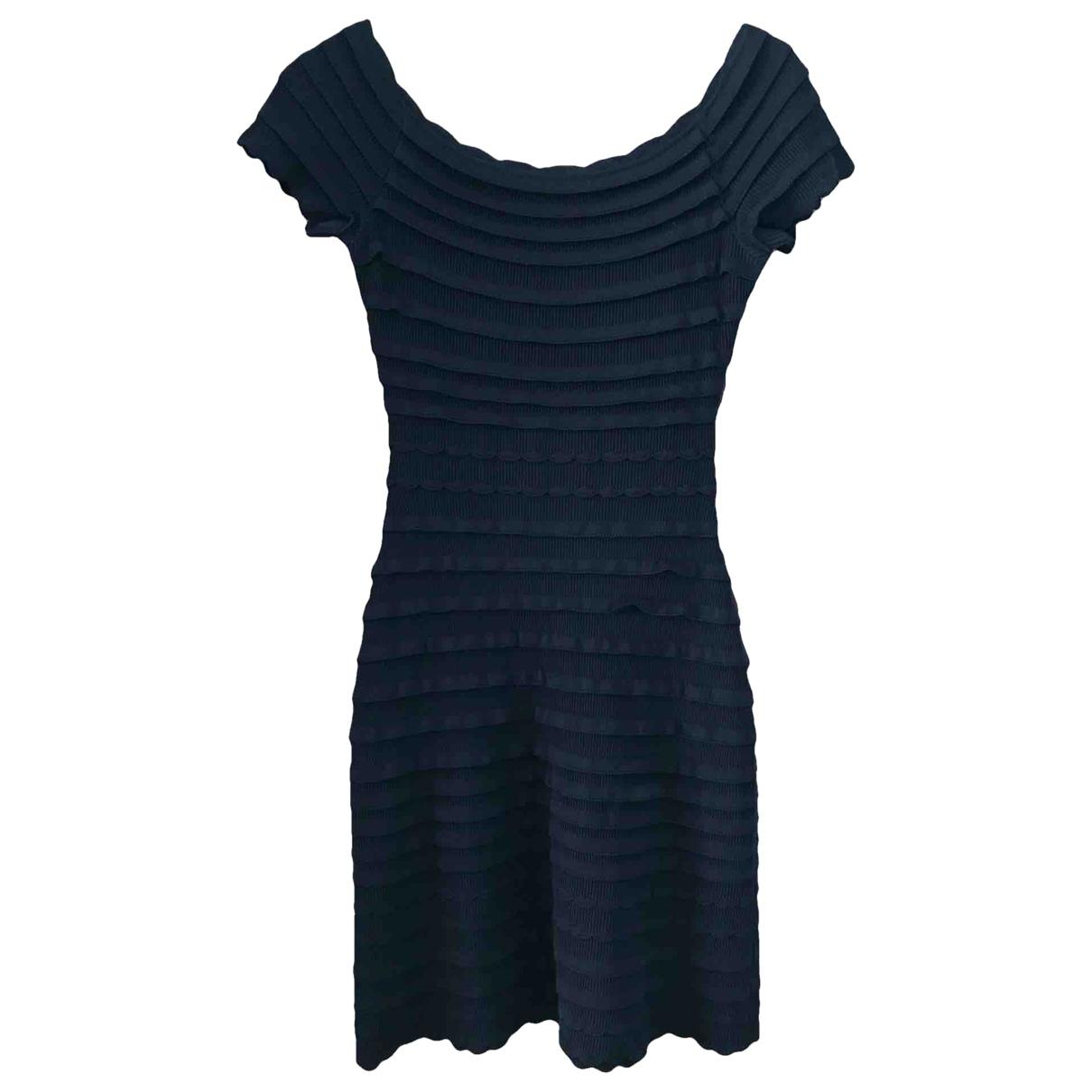 Escada \N Kleid in  Schwarz Polyester