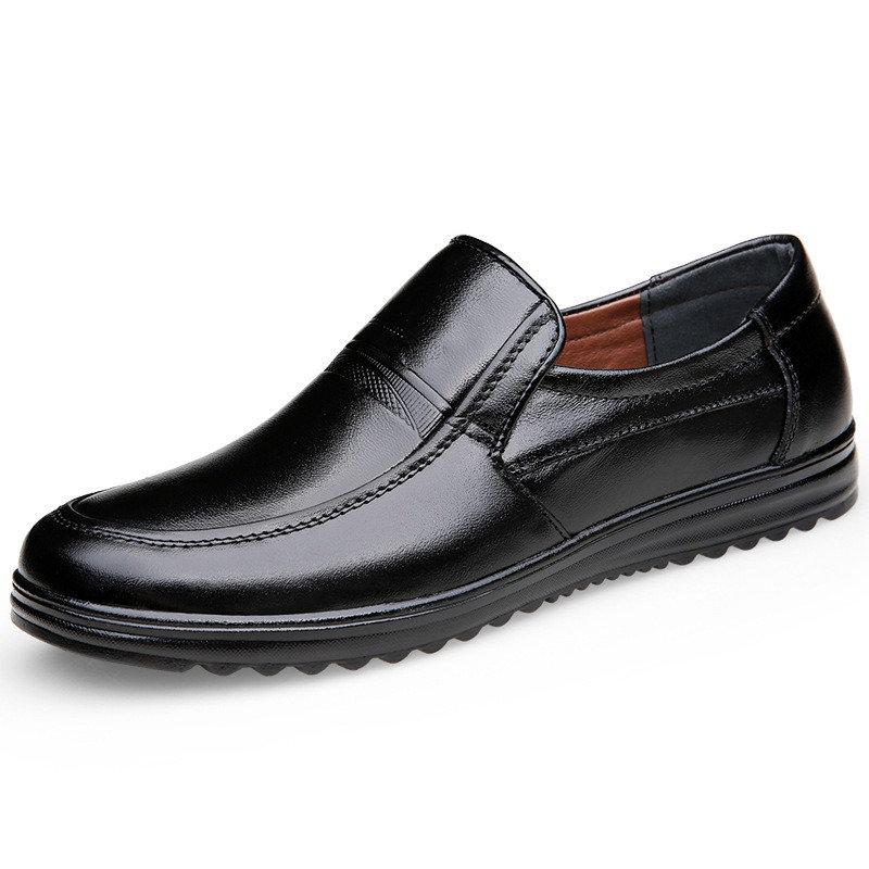 Men Pure Color Slip Resistant Slip On Soft Casual Leather Shoes
