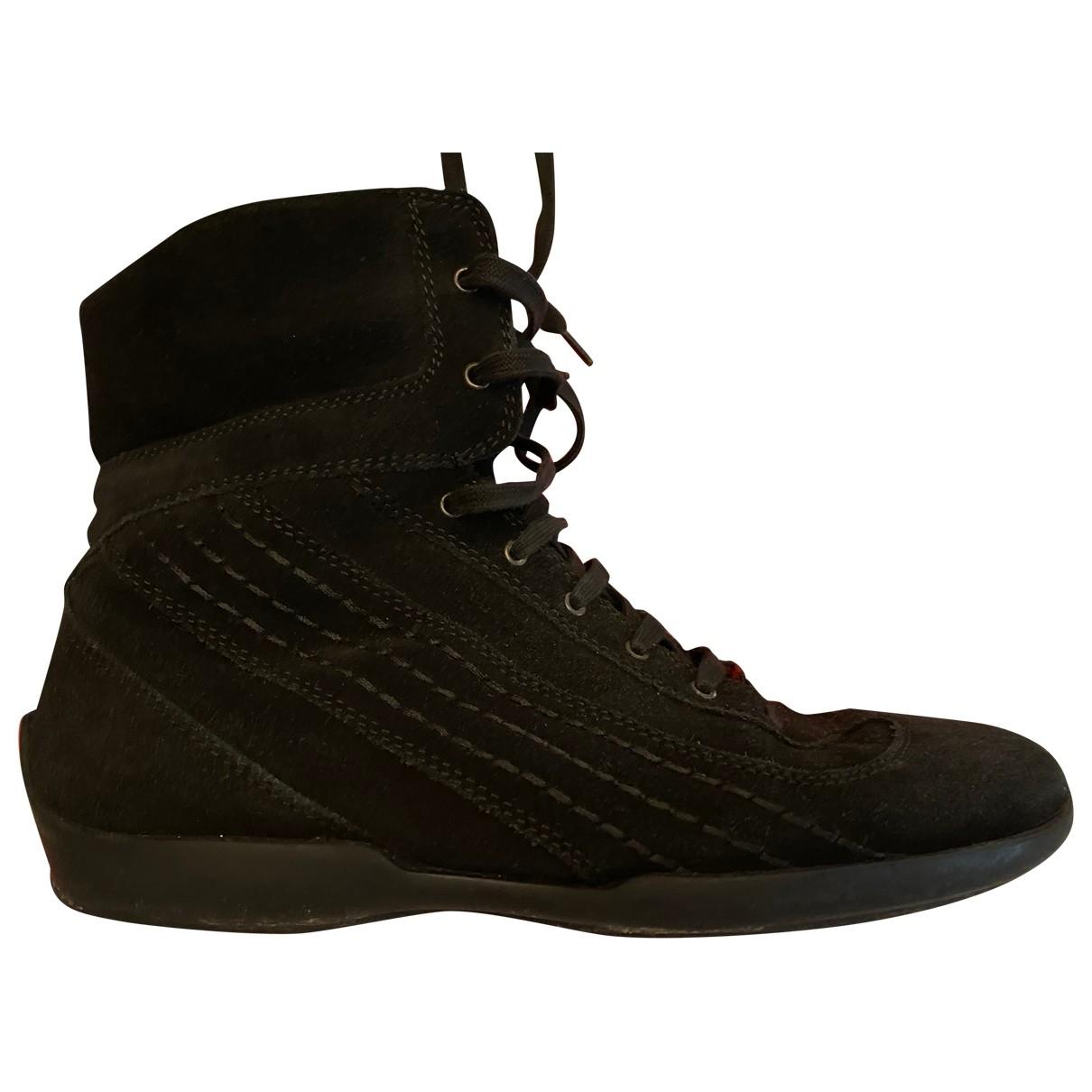 Tod's \N Sneakers in  Schwarz Veloursleder