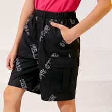 Shorts con bolsillo lateral con solapa con estampado de letra