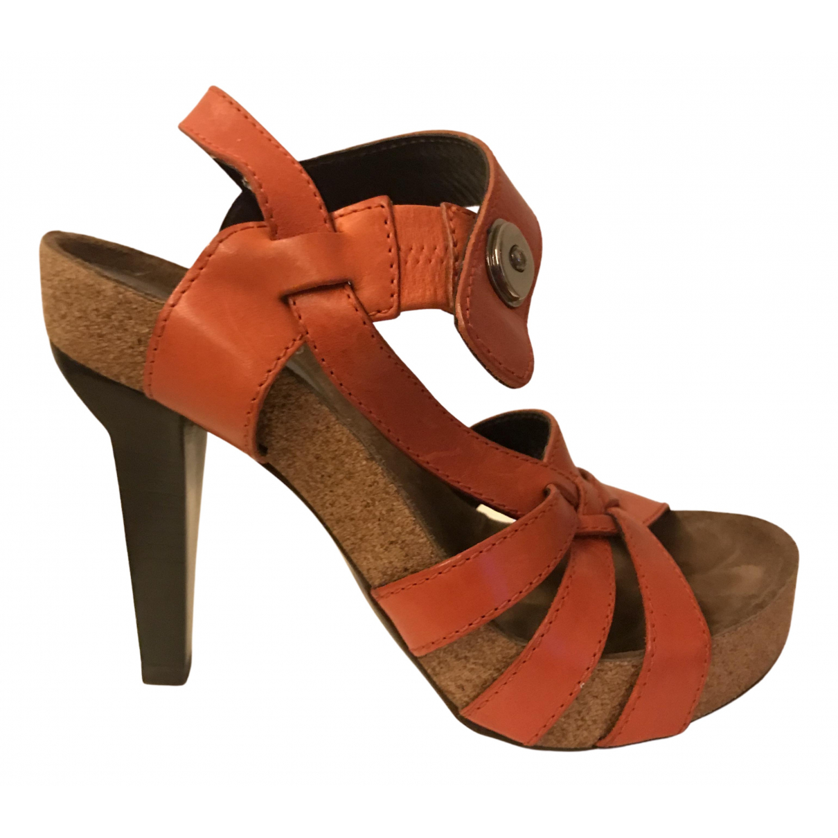 Balenciaga \N Sandalen in  Orange Leder