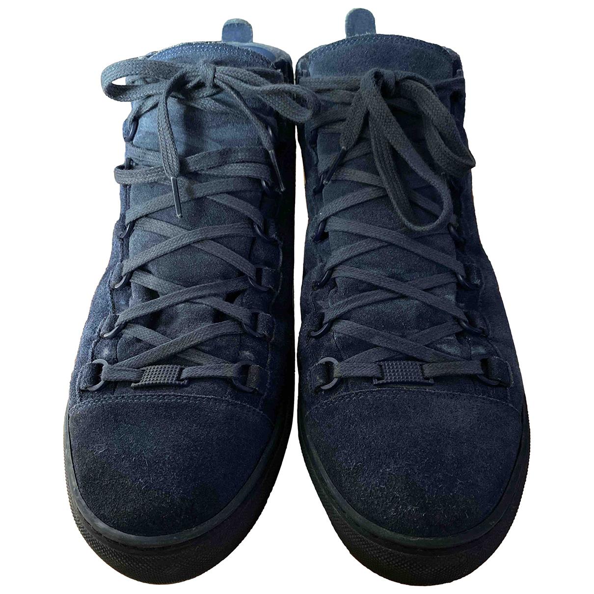 Balenciaga Arena Sneakers in  Blau Veloursleder