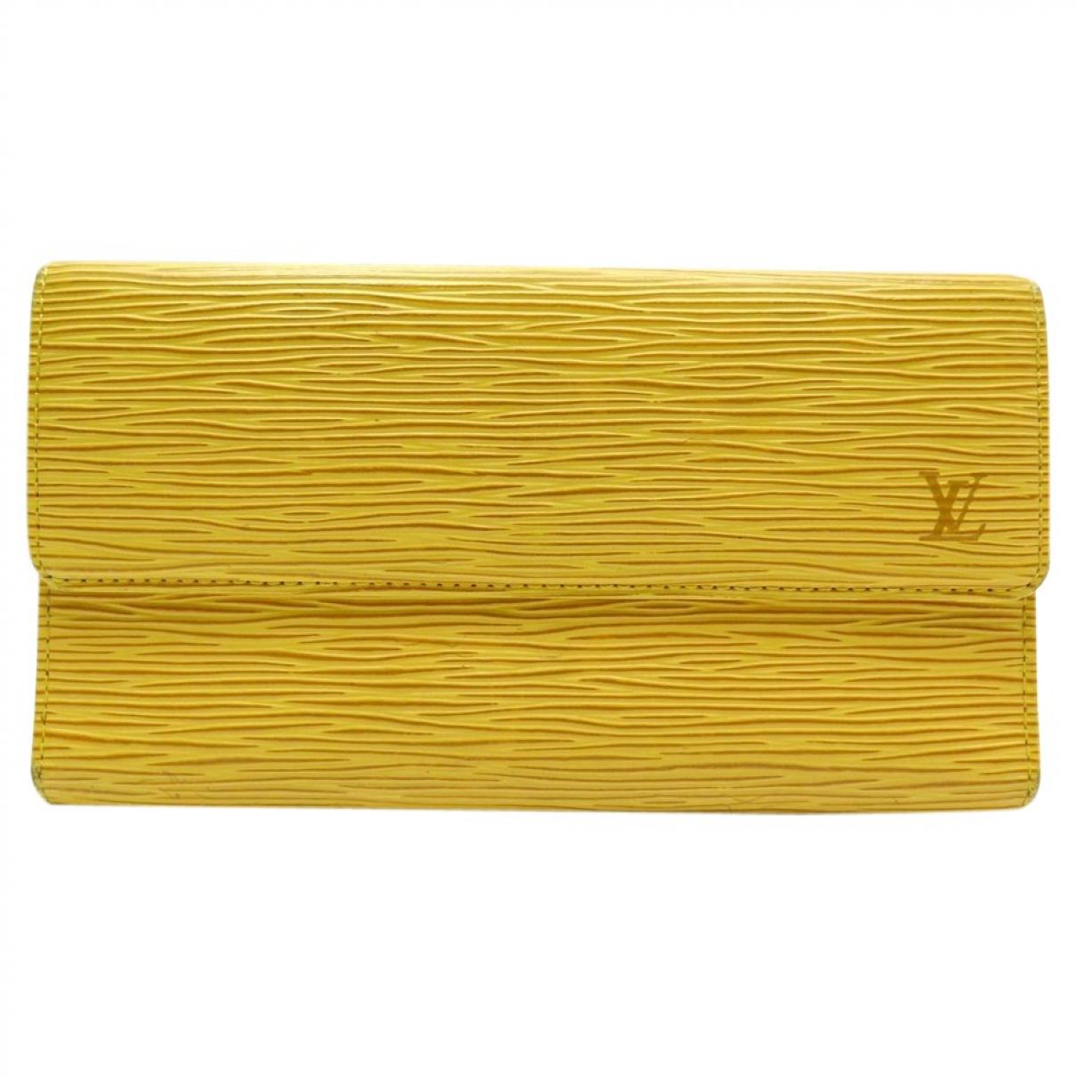 Louis Vuitton Sarah Yellow Leather wallet for Women \N