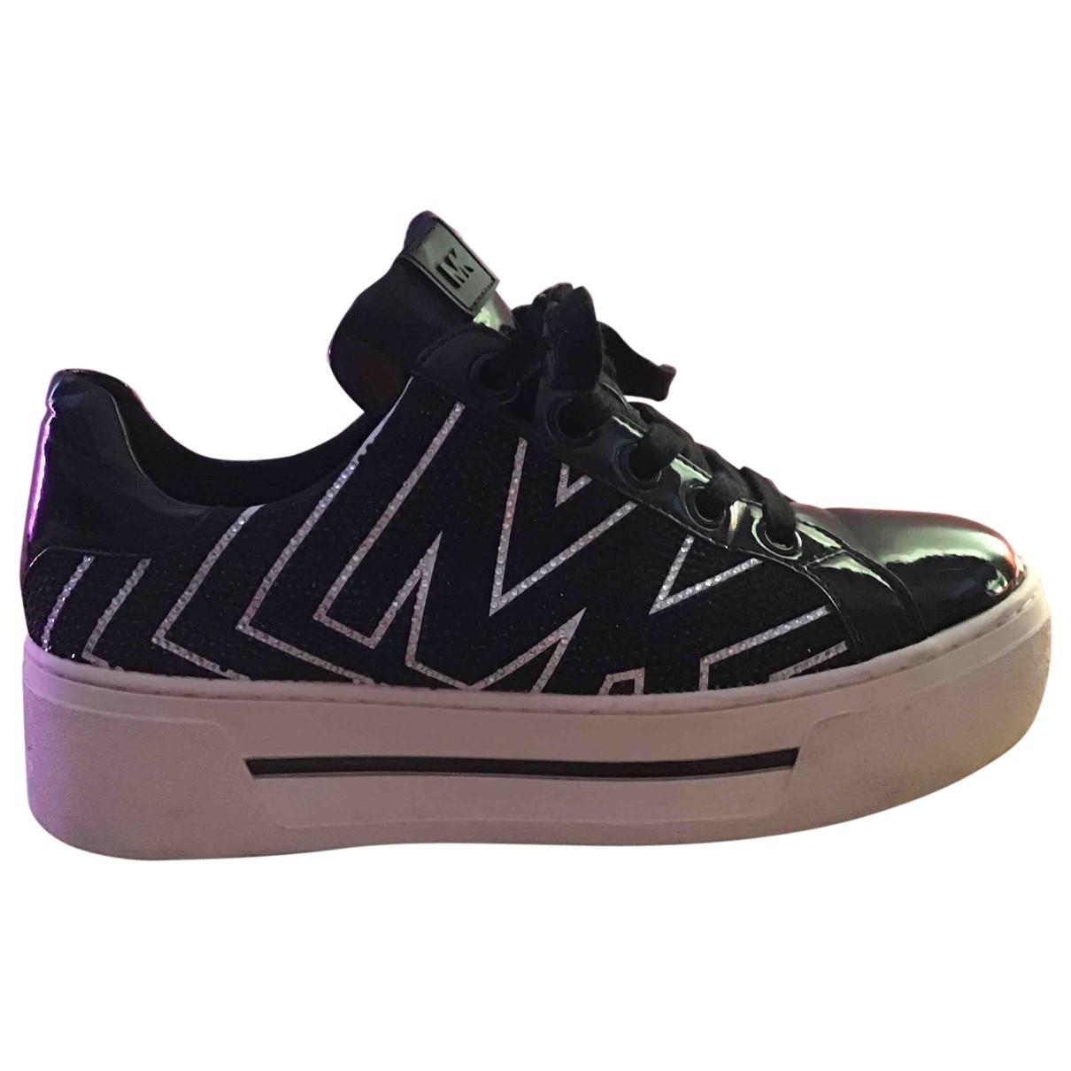 Michael Kors \N Sneakers in  Schwarz Lackleder