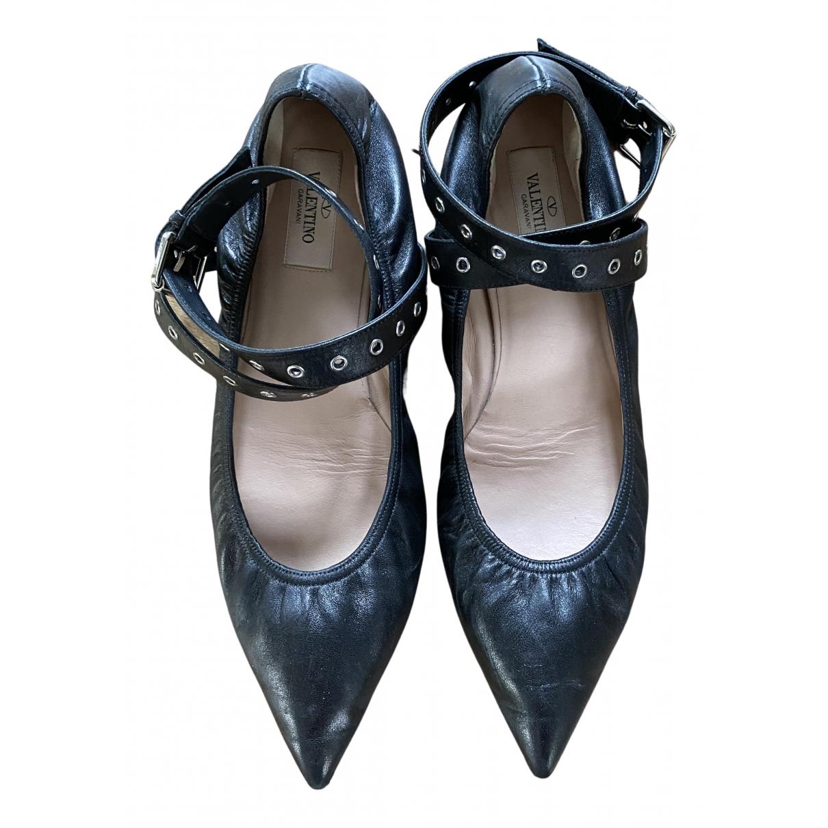 Valentino Garavani N Black Leather Ballet flats for Women 39.5 EU