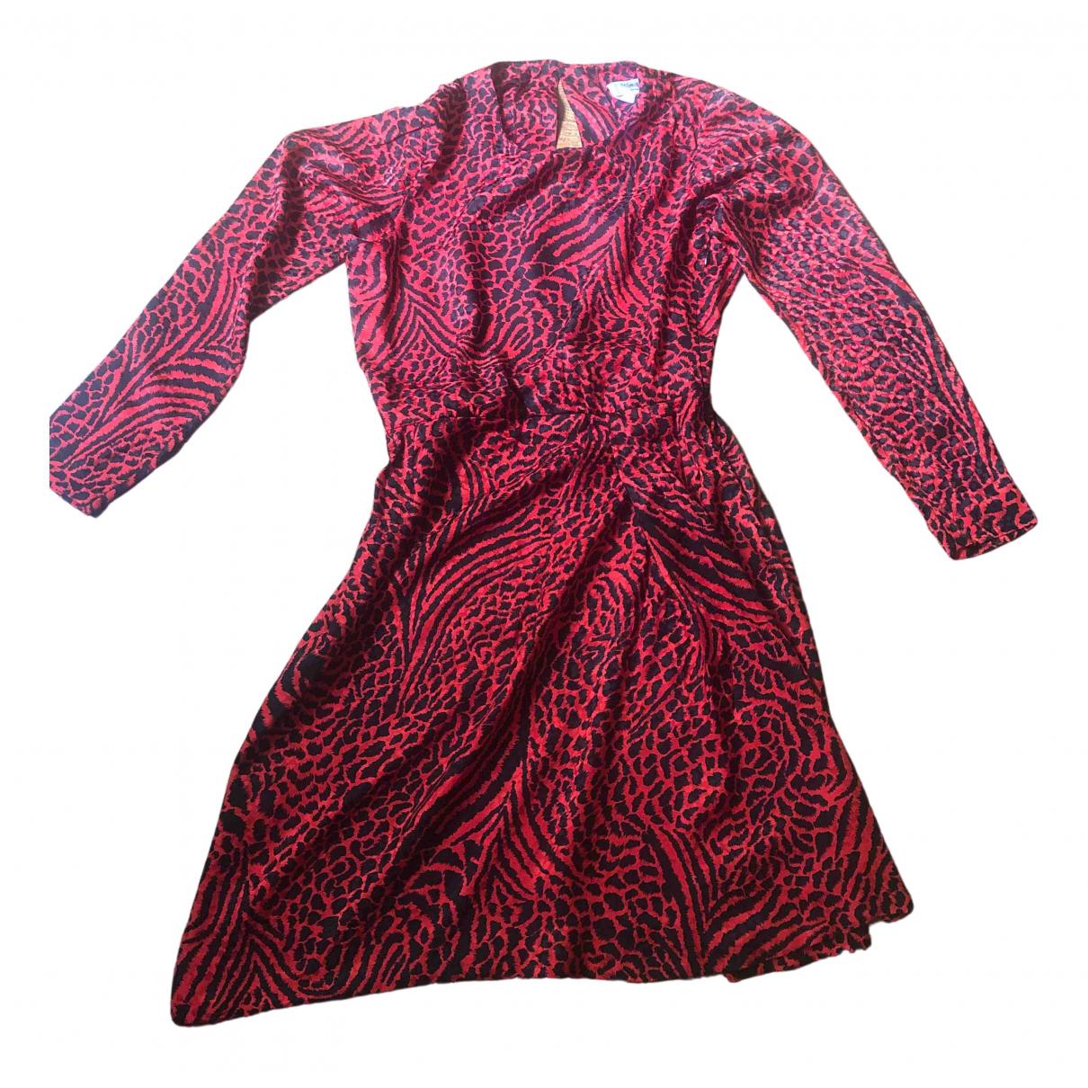 Yves Saint Laurent \N Kleid in  Rot Seide