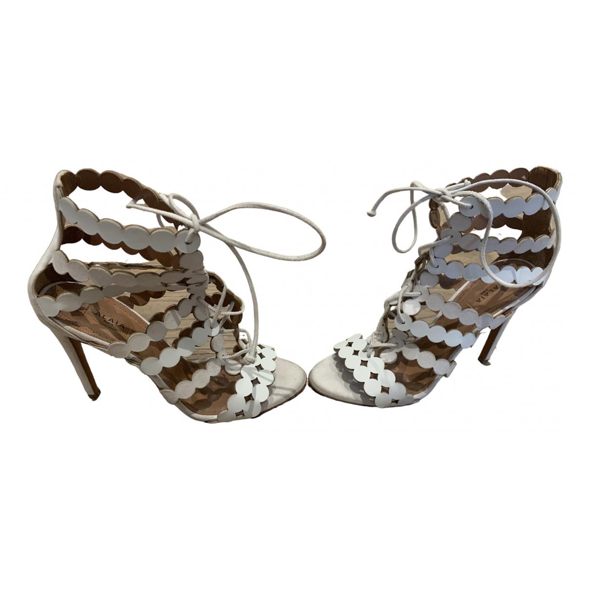 Alaia - Sandales   pour femme en suede - blanc