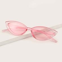 Katzenaugen-Sonnenbrille mit transparentem Rahmen