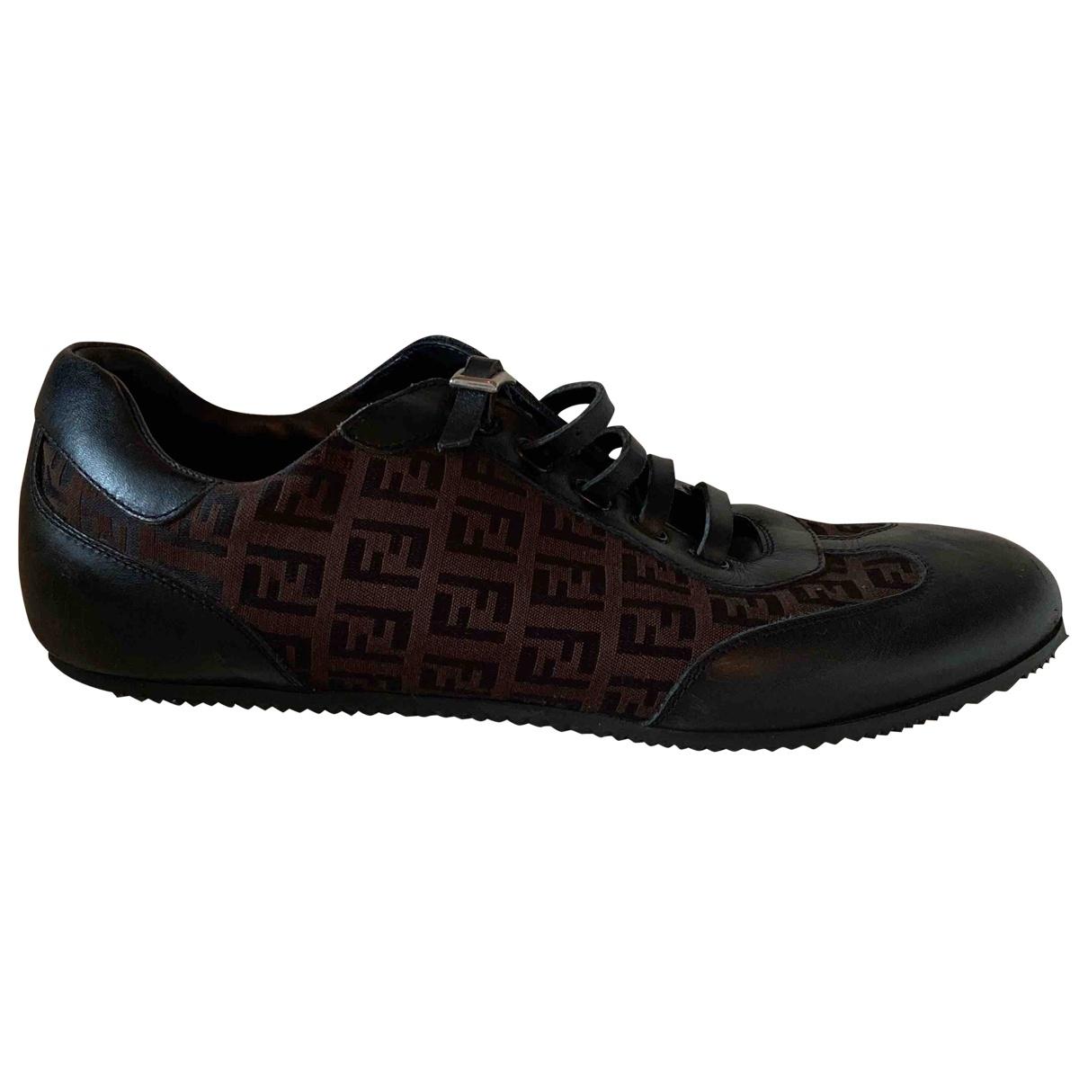 Fendi FendiMania Sneakers in  Braun Leder