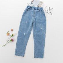 Jeans mit elastischer Taille und Riss