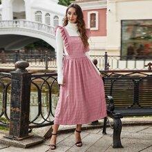 Kleid mit Rueschenbesatz und Streifen