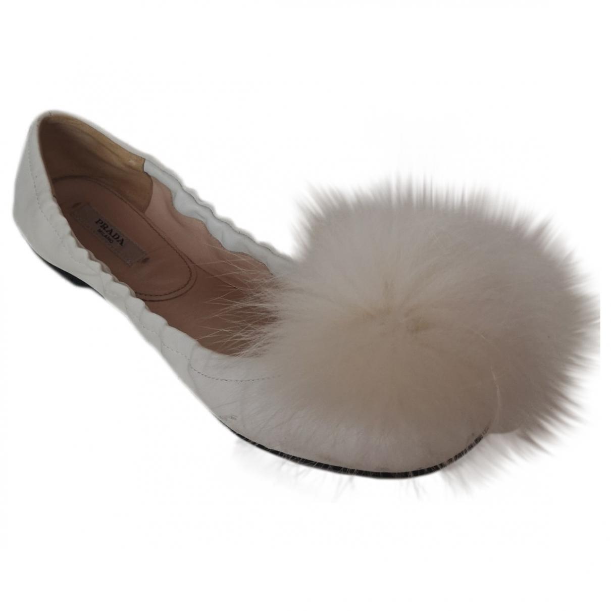 Prada \N Ballerinas in  Weiss Leder