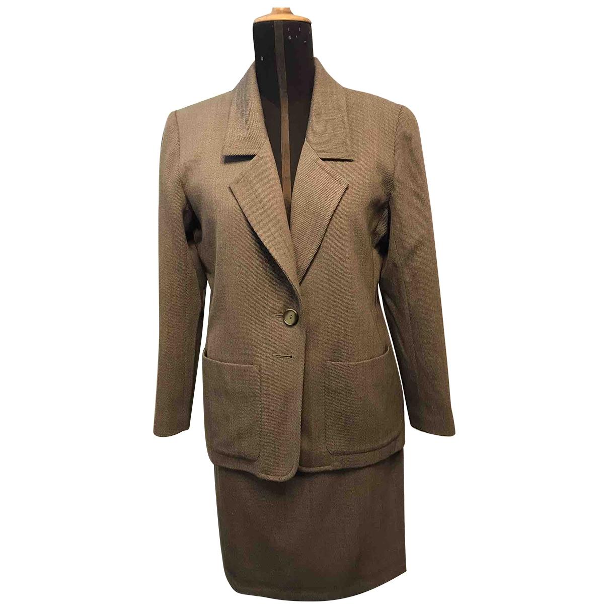 Yves Saint Laurent \N Beige Wool dress for Women 40 FR