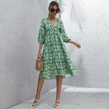 Kleid mit Blumen Muster, Rueschenbesatz und Laternenaermeln