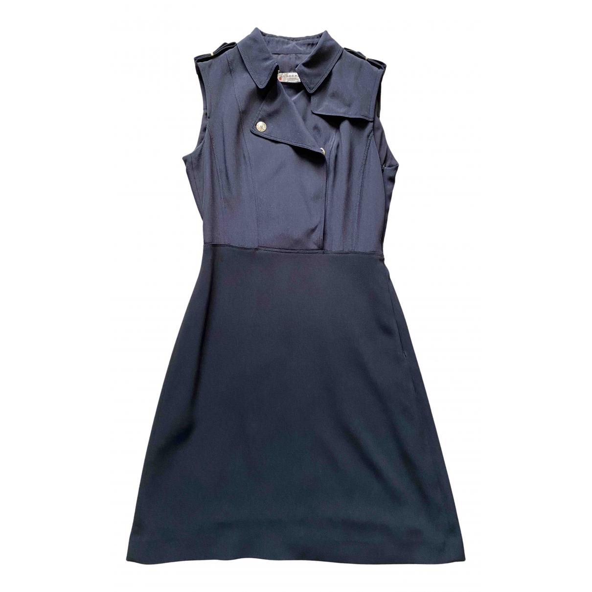 Burberry \N Kleid in  Schwarz Seide
