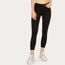 Reine Jeans mit Knopfen um die Taille