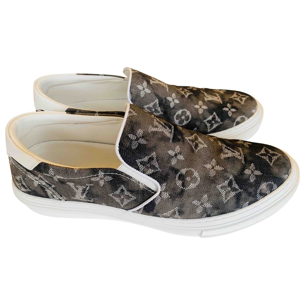 Louis Vuitton \N Grey Cloth Trainers for Men 8 UK