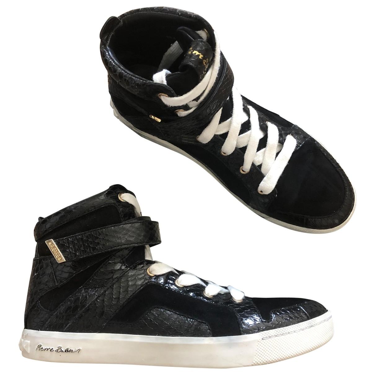 Pierre Balmain \N Sneakers in  Schwarz Veloursleder