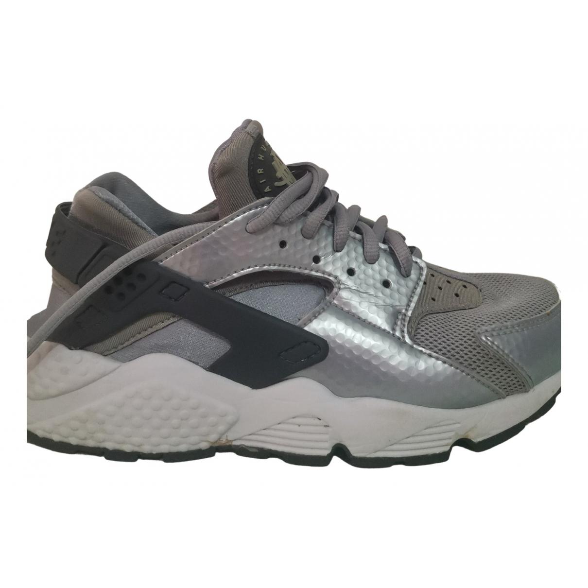 Nike - Baskets Huarache pour femme - gris