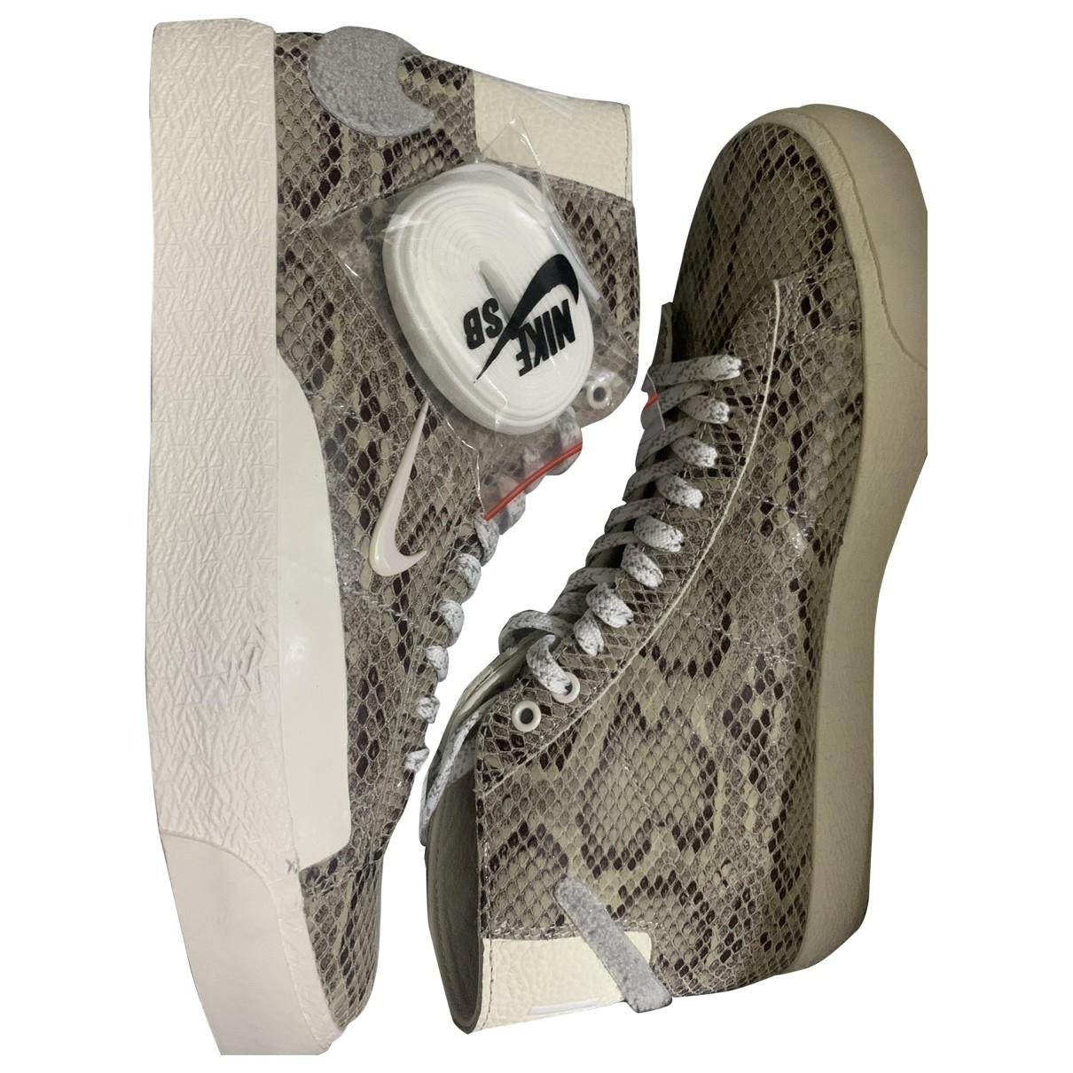 Botas Blazer de Cuero Nike