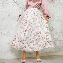 Falda con malla con estampado floral
