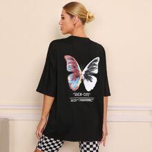 T-Shirt mit Schmetterling & Buchstaben Grafik und sehr tief angesetzter Schulterpartie