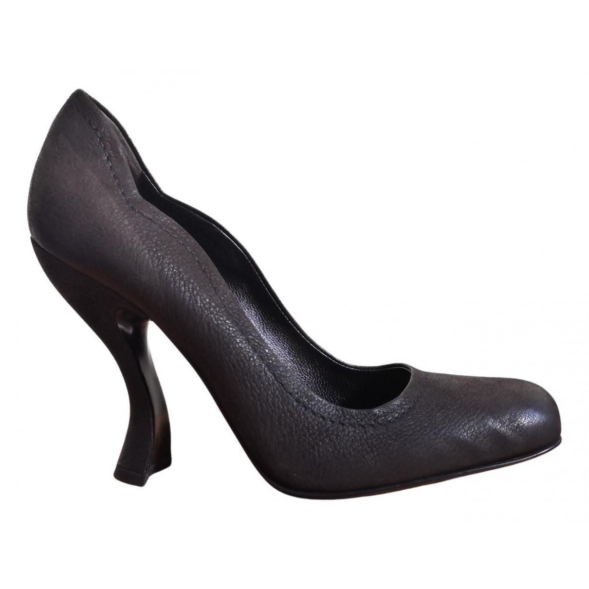 Prada - Escarpins   pour femme en cuir - gris
