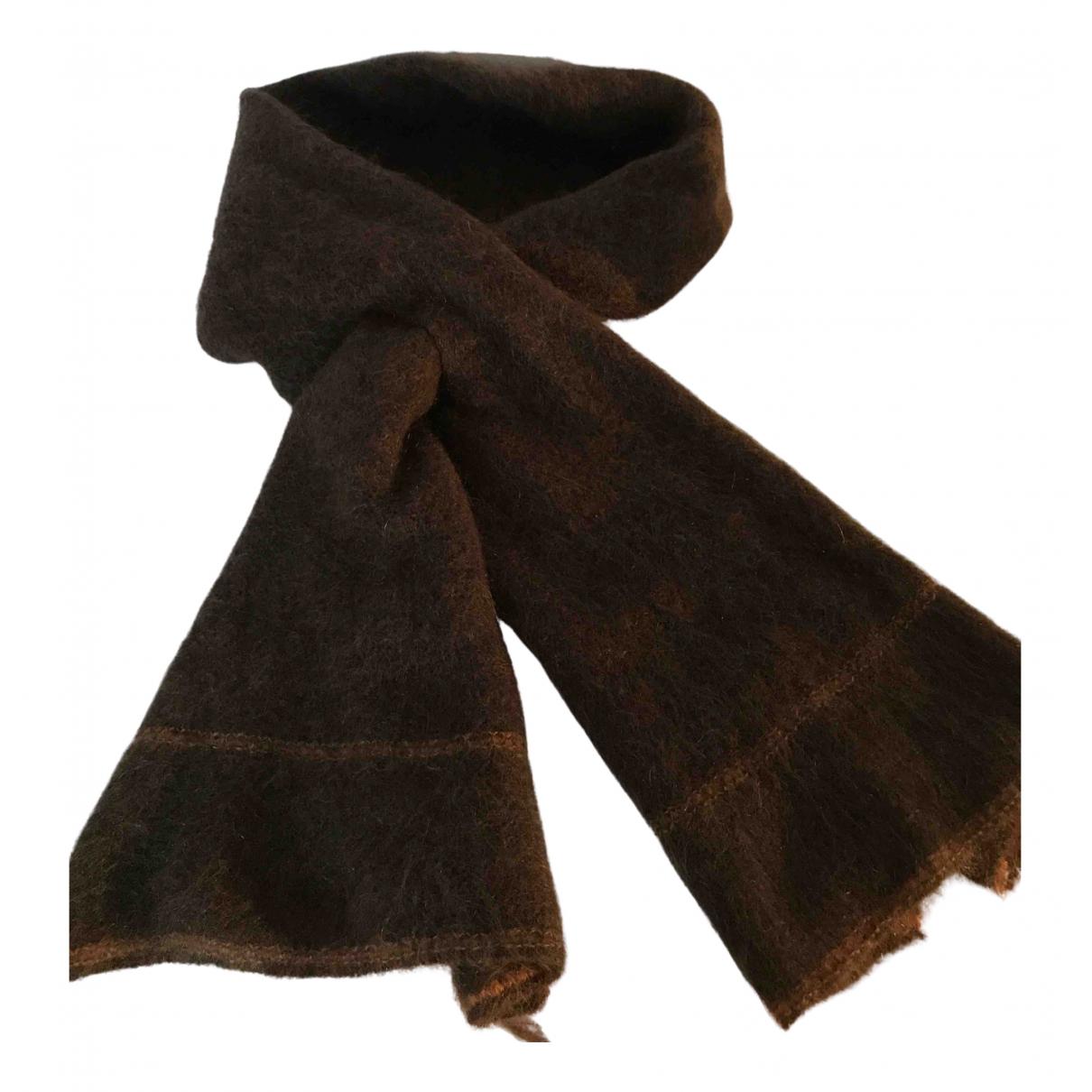 Burberry N Brown Fur scarf for Women N