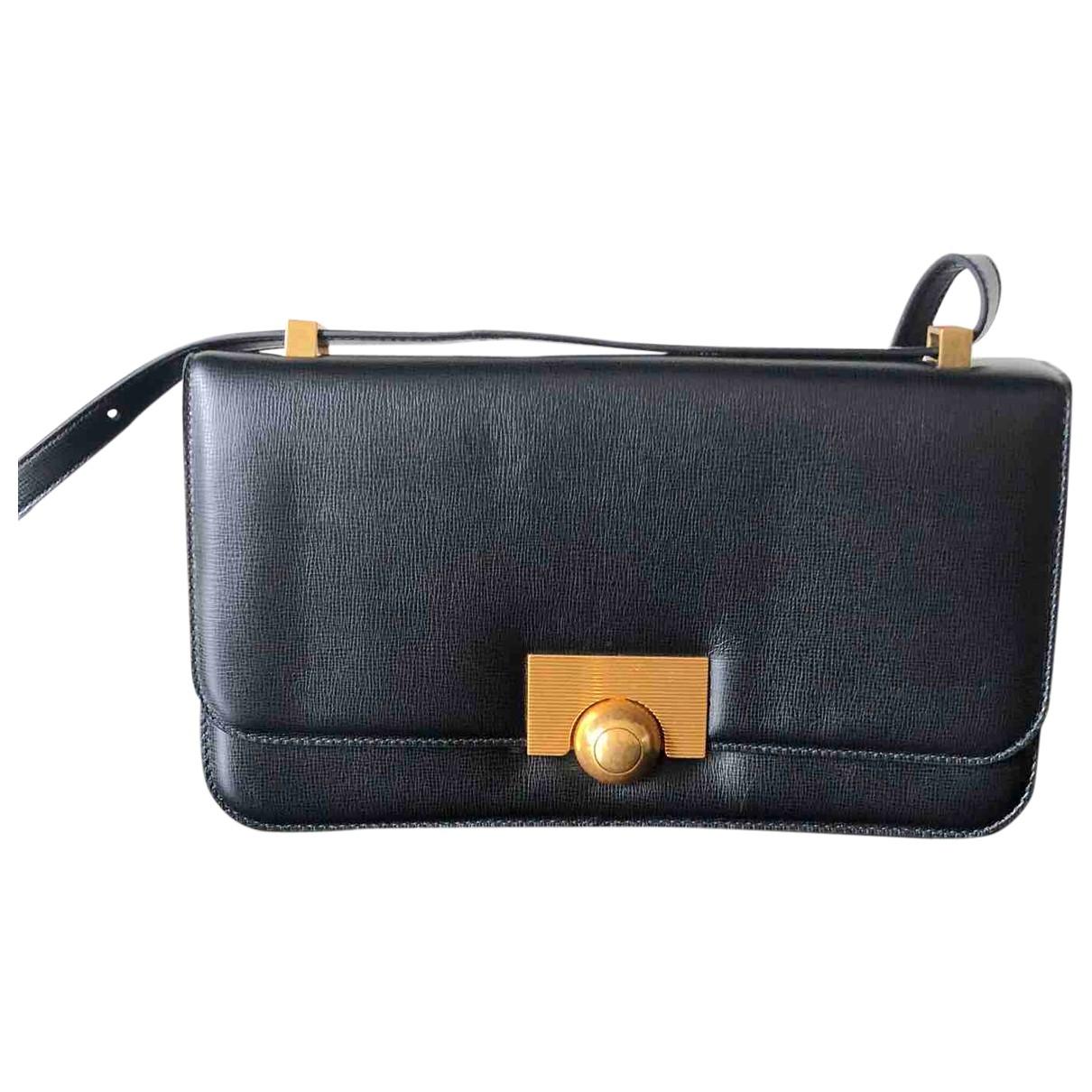 Bottega Veneta BV Classic Handtasche in  Schwarz Leder