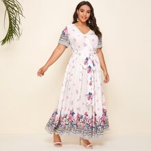Kleid mit V Kragen, Selbstguertel, Blumen und Paisley Muster