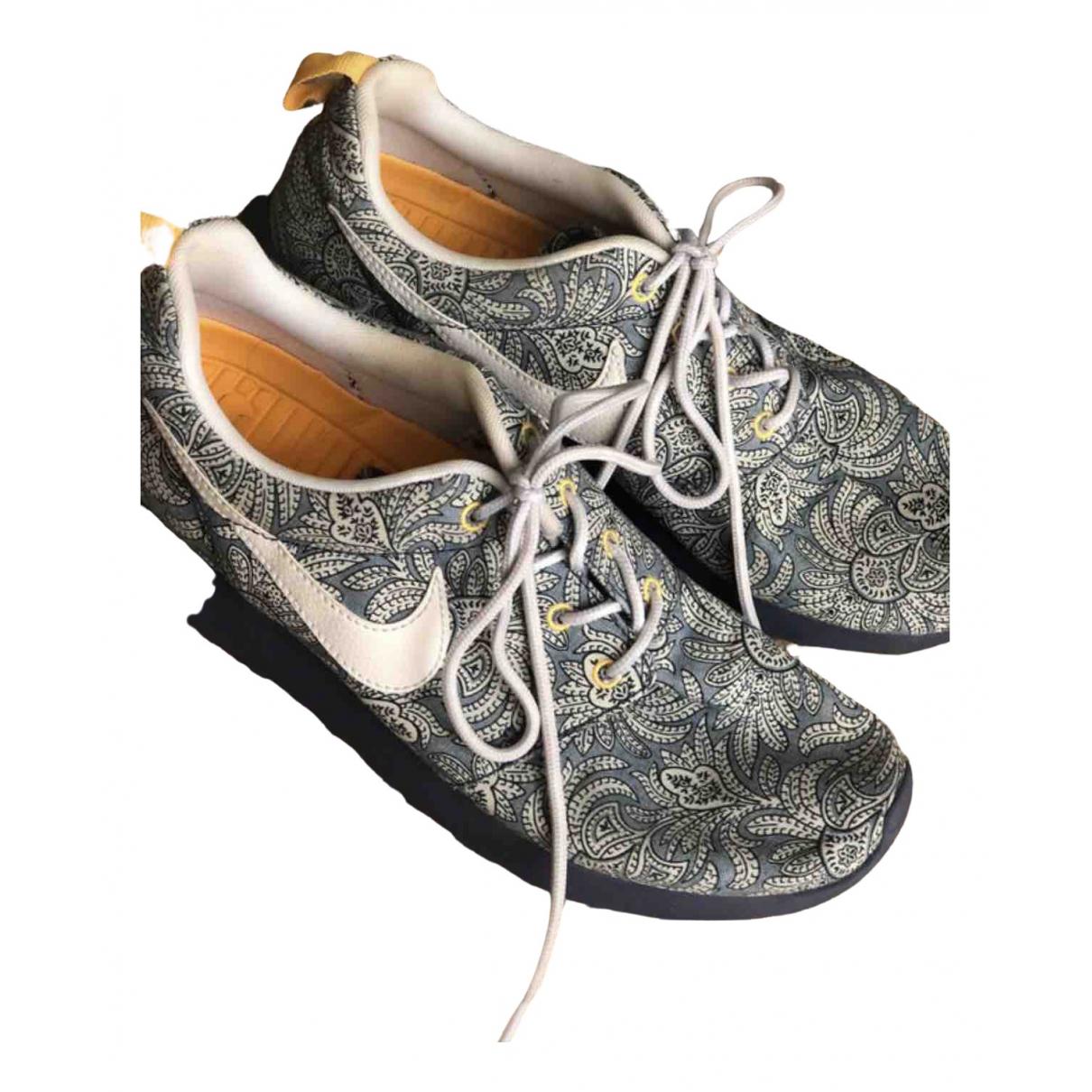 Nike Roshe Run Sneakers in  Blau Leinen