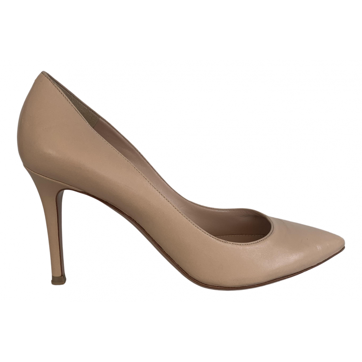 Gianvito Rossi Gianvito Pumps in  Beige Leder