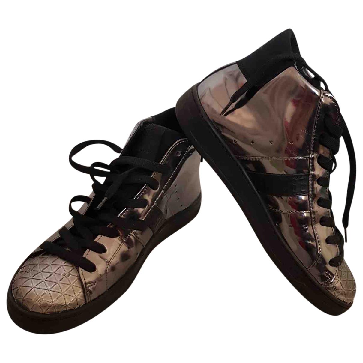 Dirk Bikkembergs \N Sneakers in  Metallic Leder