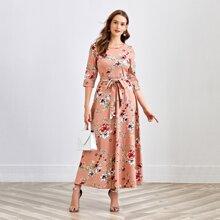 Kleid mit Raglanaermeln, Selbstguertel und Blumen Muster