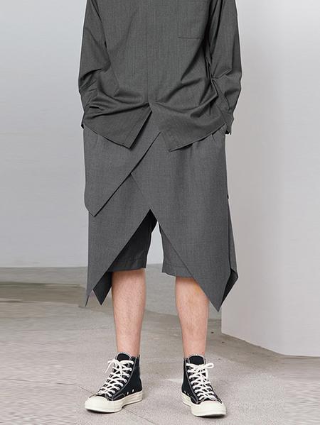 Yoins Men Cropped Solid Color Irregular Hem Elastic Waist Shorts